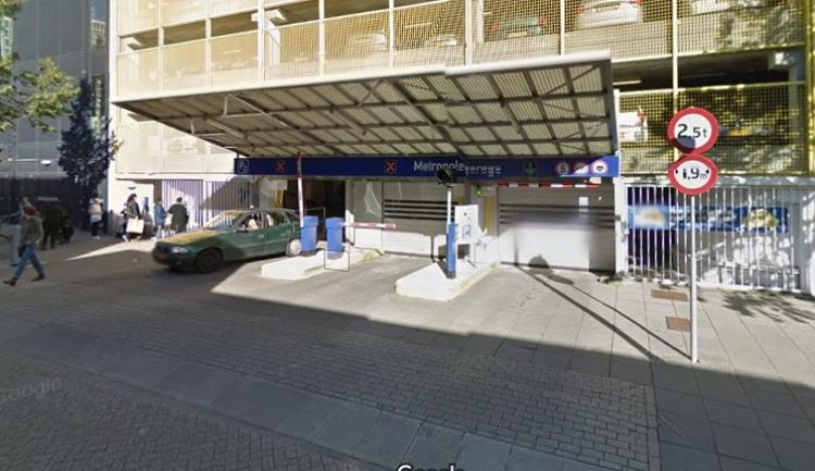 Auto Garage Almere : Instortingsgevaar metropolegarage per direct afgesloten door